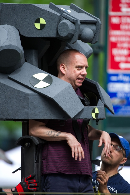 amazing-spider-man-2-set-photo-paul-giamatti-rhino-suit-1