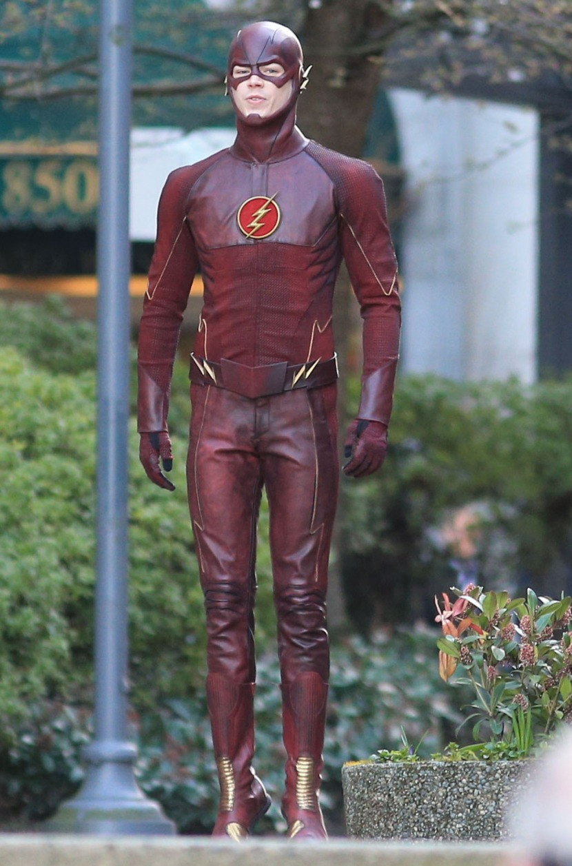 First Shots Of Grant Gustin Wearing 'The Flash' Costume